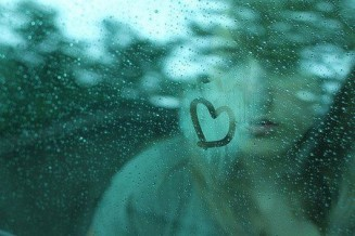 cute-alone-girl-sad-rain-heart